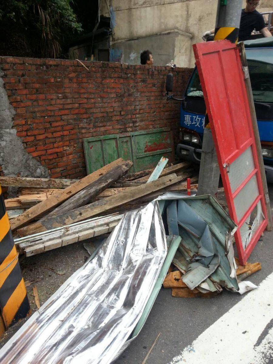 台北三重也好平價搬家-小木屋拆除清運