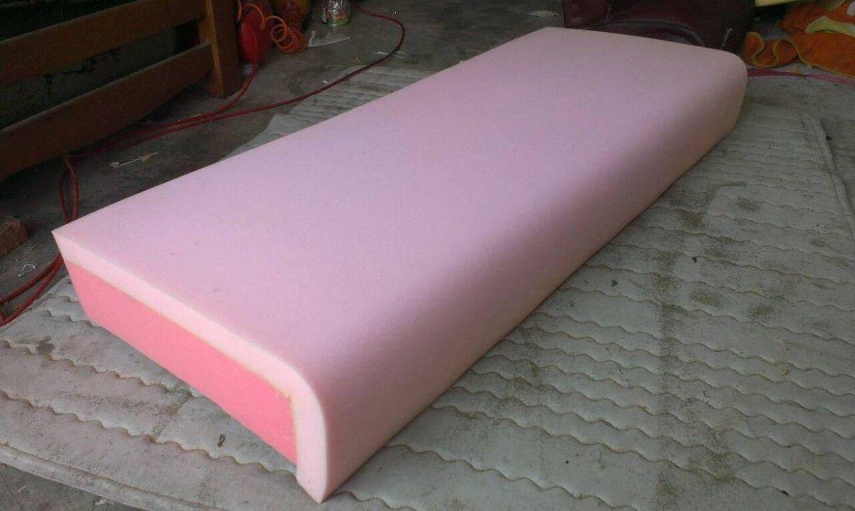 接著就是補充坐墊的高密度泡棉及舒適布,以解決沙發塌陷的問題!三人座牛皮沙發修理請找吉昌傢俱沙發工廠