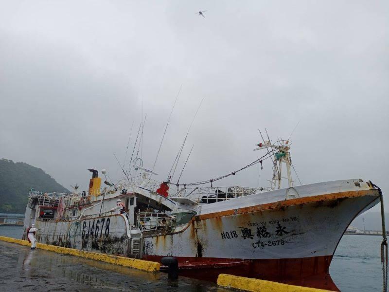 海巡巡八、巡九接力戒護  「永裕興18號」今順利返抵蘇澳港【影音新聞】