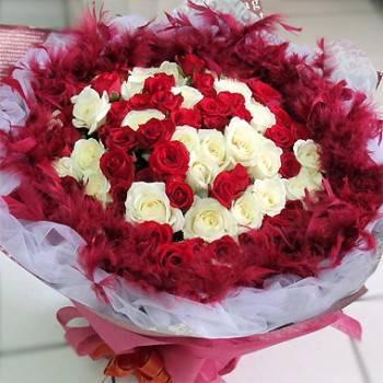 《濃情依依》99朵白玫紅玫雙色玫瑰花束