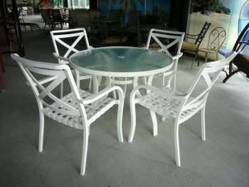 全鋁迪士尼105玻璃圓桌組