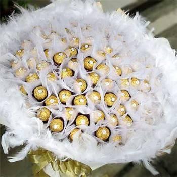 《白色戀曲》99朵金莎花束色