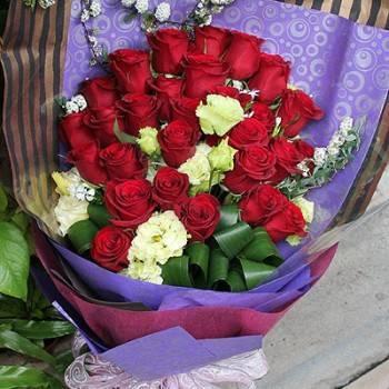 《真愛》情人節33朵進口大玫瑰花束