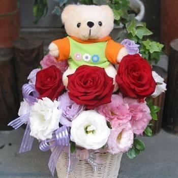 《寶貝愛你》寶貝熊玫瑰花禮籃