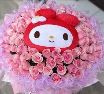 《甜美愛人》卡通明星玩偶+99朵鐵達尼玫瑰花束