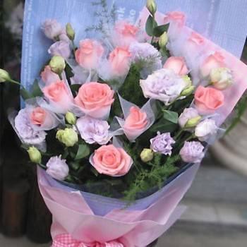 《水漾情人》粉玫瑰桔梗花束