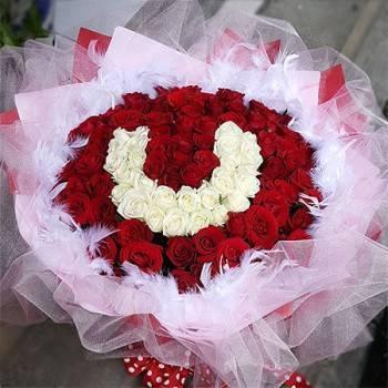 《U》字樣99朵玫瑰花束(可排1~99字樣)