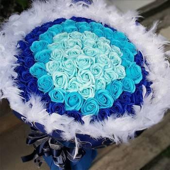 【特價花束】-《漸漸愛上你》99朵漸層藍皂玫瑰花束