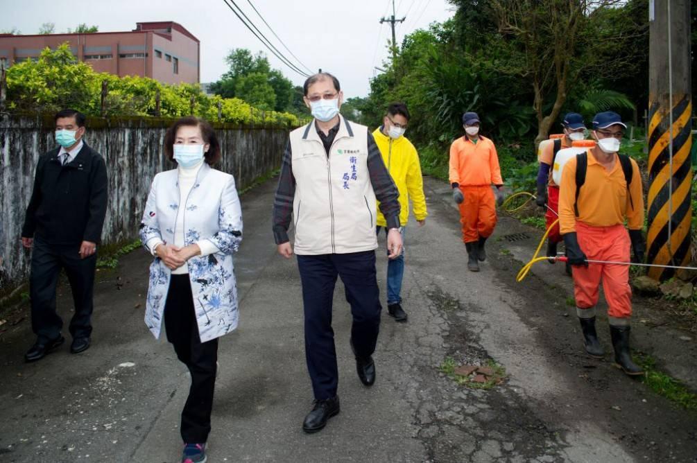 武漢返鄉台胞至員山隔離區    林姿妙縣長視察防疫消毒工作