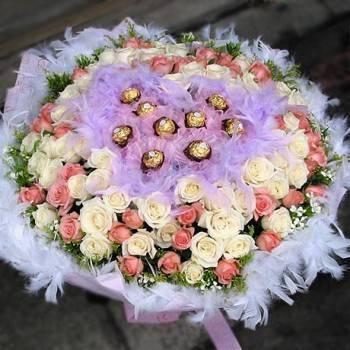 《迷戀99》心型金莎99朵雙色翡翠白粉玫瑰花束