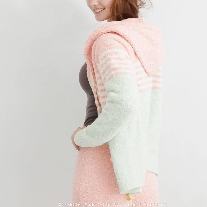 女暖綿綿連帽配色外套