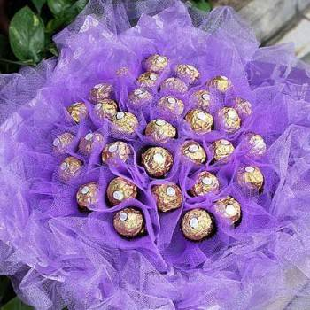 《甜蜜-紫愛》30朵甜蜜金莎巧克力花束
