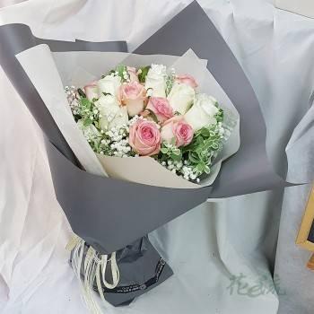 《情投意合》情人節進口大朵玫瑰花束