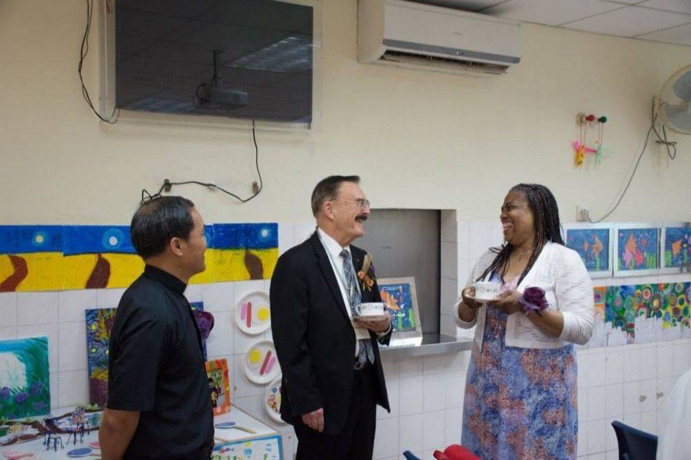 韋董事長,於2016年7月15日參加位於澳門之協同特殊教育學校畢業典禮。