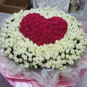 《愛你千萬年》999朵心型玫瑰花束