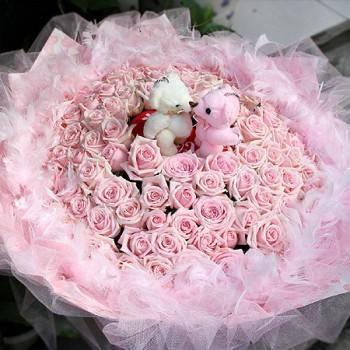《Kiss, Sweet Baby》Kiss情侶熊99朵寶貝甜心玫瑰花束