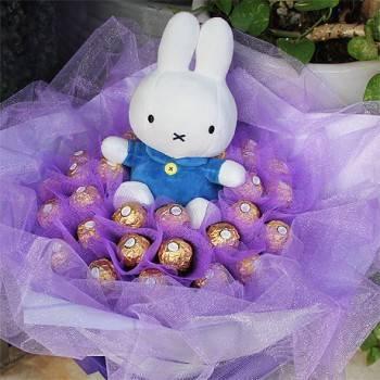 【人氣玩偶】米飛兔+30朵金莎巧克力花束