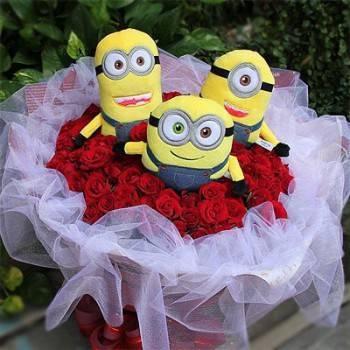 《歡樂派》代購暢銷小小兵玩偶+99朵玫瑰花束