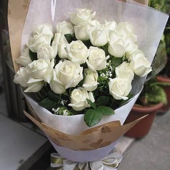 《情人》33朵翡翠白玫瑰花束