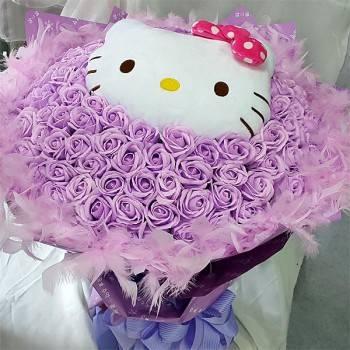 【特價花束】-《紫愛浪漫》代購Kitty玩偶+99朵紫皂玫瑰花束