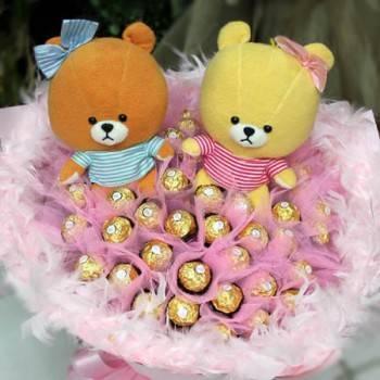《小熊學校》lululolo熊一對+50朵金莎巧克力花束