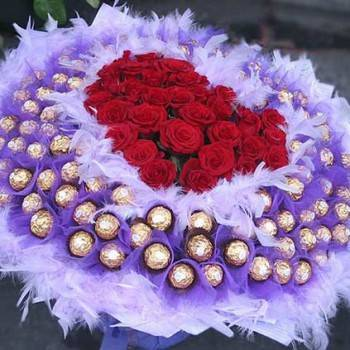 《愛情甜蜜久久》心型玫瑰99朵金莎花束