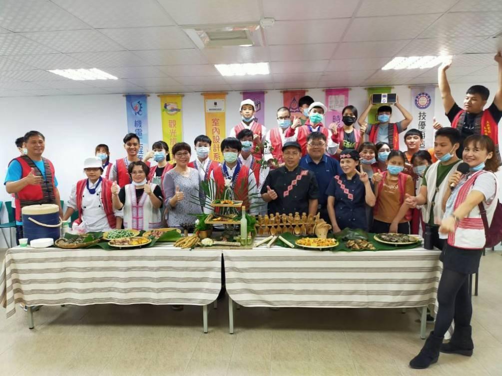 落實原民學生烘焙技能    蘭院展出「原」味烘焙創意糕點