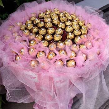 【特價花束】-《情意綿綿》99朵金莎巧克力花束