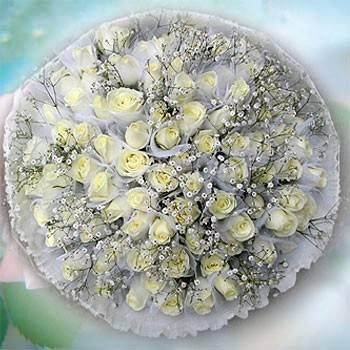 【妳是我今生新娘】99朵翡翠白玫瑰包紗花束