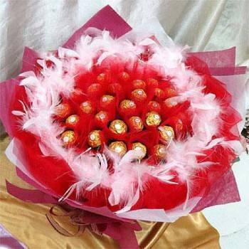 《甜蜜戀曲-熱愛》33朵甜蜜金莎巧克力花束