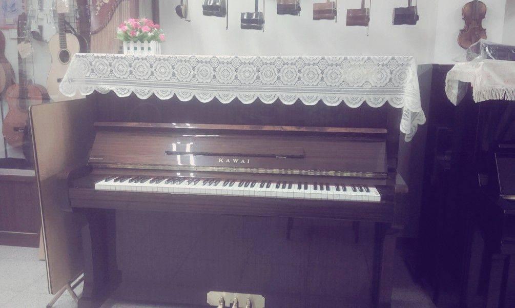 yamaha  中古鋼琴   原木色  緩降蓋