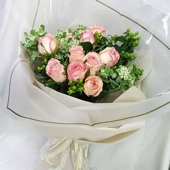 《愛慕》情人節進口大朵玫瑰花束
