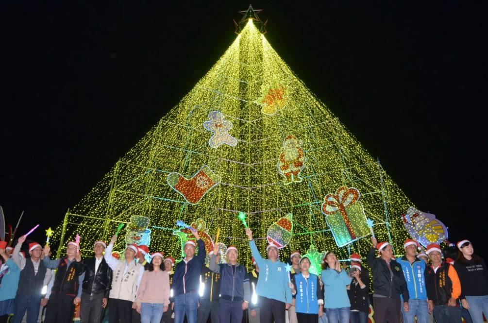 全國最高的23.5米璀燦意象耶誕樹在三星登場