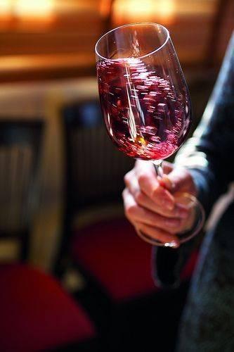 葡萄酒为什么要摇杯,这是我见过最全的回答了!