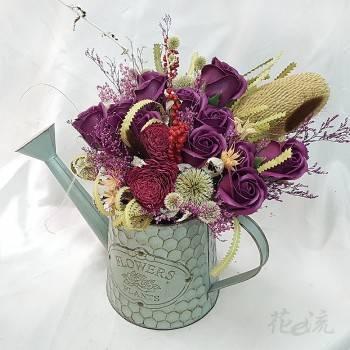 灑花壺裝飾乾燥花