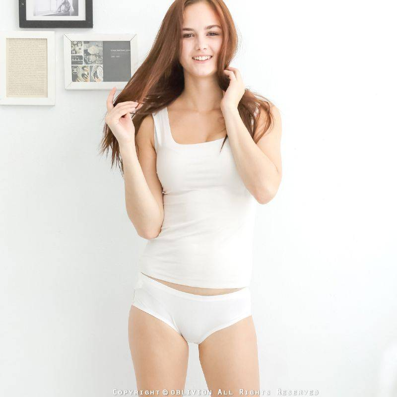 柔棉蕾絲貼合中低腰內褲