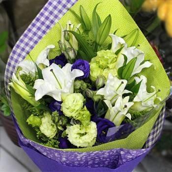 《情誼》香水百合紫桔梗花束