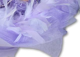 花束外圍加購滾紗及圍羽毛