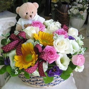 《活力泉源》設計師玫瑰向日葵桌花