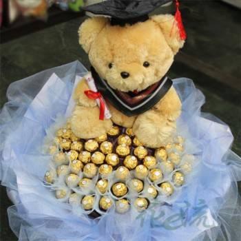《熊熊畢業了》12吋畢業熊+99朵金莎花束