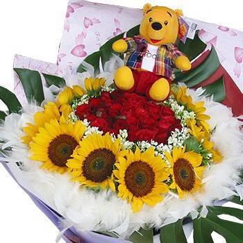 《真愛為你》小熊維尼玫瑰向日葵花束