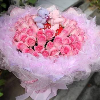 《Kiss99,寶貝甜心》Kiss情侶熊99朵寶貝甜心玫瑰花束