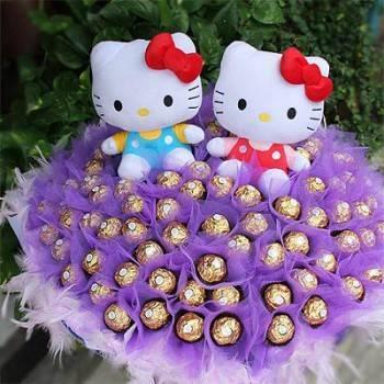 《寶貝風情》代購kitty玩偶一對+99朵金莎巧克力花束