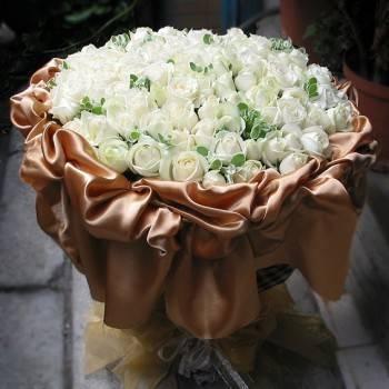 《愛情綿綿》99朵國產頂級翡翠白玫瑰花束