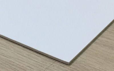 發泡板廣告看板直噴常運用在廣告招牌、告示牌、路標等用途